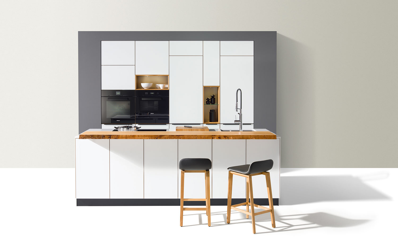 team 7 naturholzk che linee bei b hm interieur. Black Bedroom Furniture Sets. Home Design Ideas
